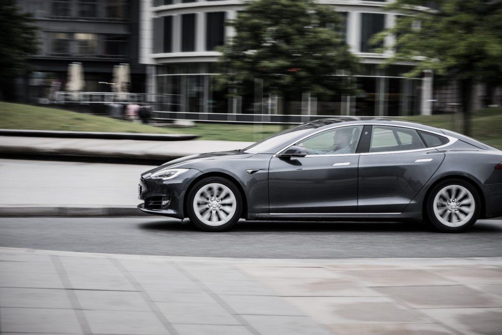 Tesla Model S - pris